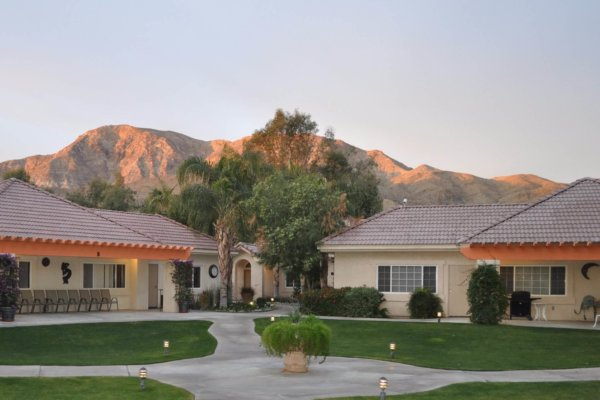 Vista Cove Selected as One of the Best Assisted Living Communities in the Valley